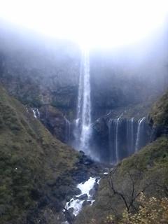 華厳の滝なう